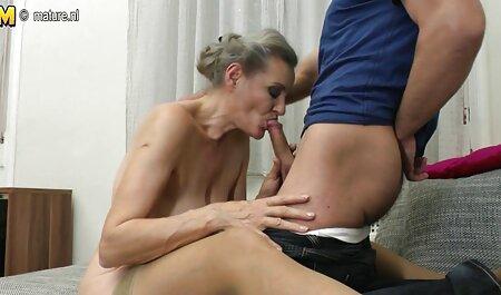 آلینا با استفاده دانلودکارتونسکسی از یک بوسه برای مخفی کردن باکره